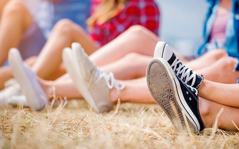 เคล็ด (ไม่) ลับการเลือกซื้อรองเท้าผ้าใบ เลือกอย่างไร? ให้เหมาะกับตัวเอง